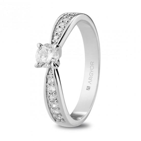 Anillo de Pedida de oro blanco con diamantes 0.53ct (74B0109)