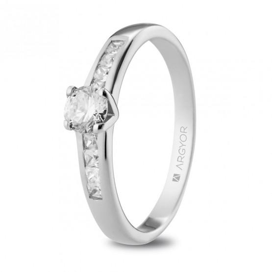 Anillo de Compromiso de oro blanco con 9 diamantes (74B0104)