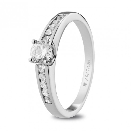 Anillo de compromiso de platino y diamantes 0.54ct (74B0103)