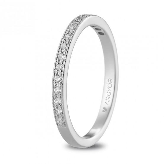 Anillo de platino y diamantes en granetes (74B0077)