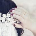 Alianza de boda con ranuras en oro satinado con diamante C0340S1PA