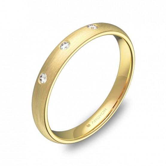 Alianza de media caña gruesa en oro amarillo y 3 diamantes A0130S3BA