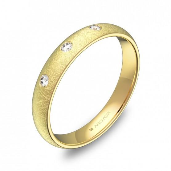 Alianza de 3,5mm en oro amarillo hielo con diamantes A0135H3BA
