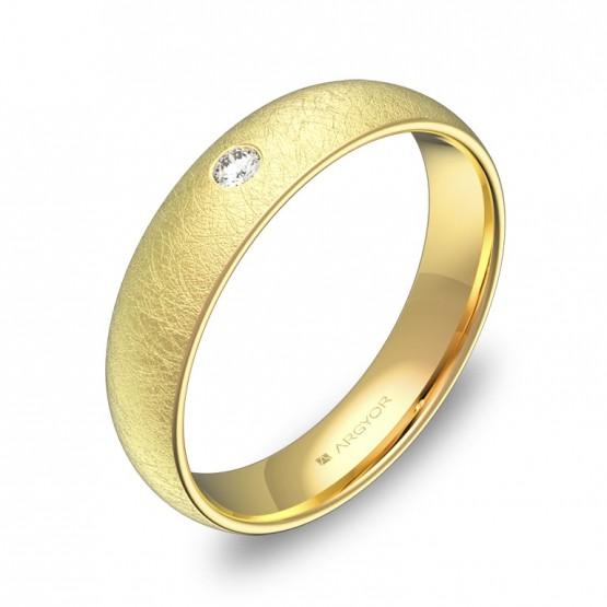 Alianza de media caña 4,5mm en oro amarillo con diamante A0145H1BA