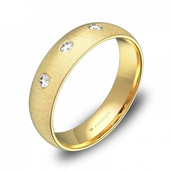 Alianza de media caña gruesa en oro amarillo con diamantes A0150T3BA