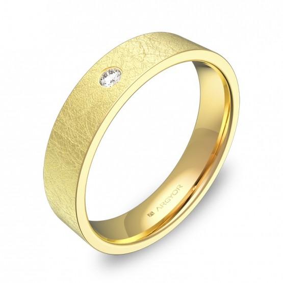 Alianza de boda plana gruesa oro amarillo con diamante B0145H1BA