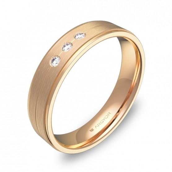 Alianza de boda con ranuras y biseles oro rosa 3 diamantes C1245C3BR