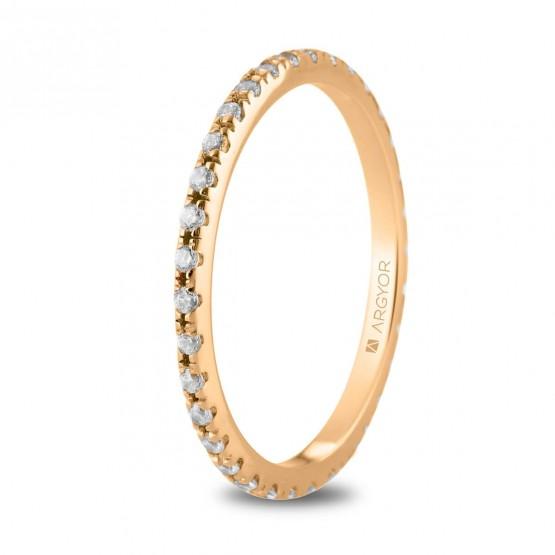 Anillo de oro rosa con linea de diamantes (74R0169)