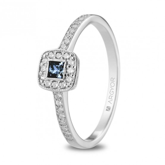 Anillo Zafiro Azul con 28 diamantes (74B0091ZA)
