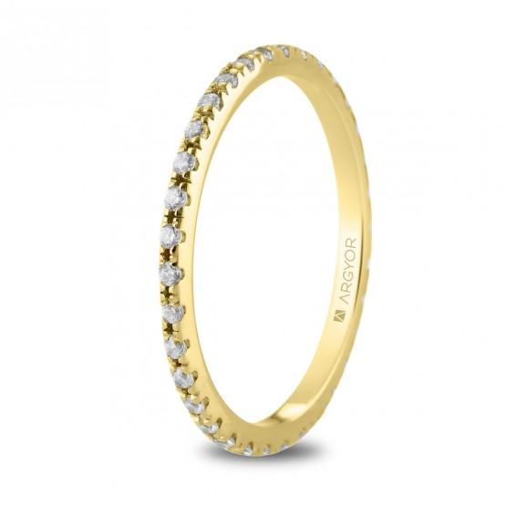 Anillo de oro con linea de diamantes (74A0169)