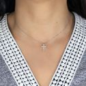 Cruz de oro blanco con circonitas (75B0023Z)