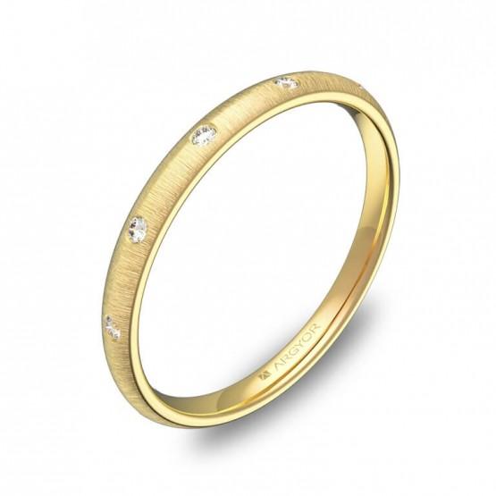 Alianza de media caña en oro amarillo rayado diamantes A0120T5BA