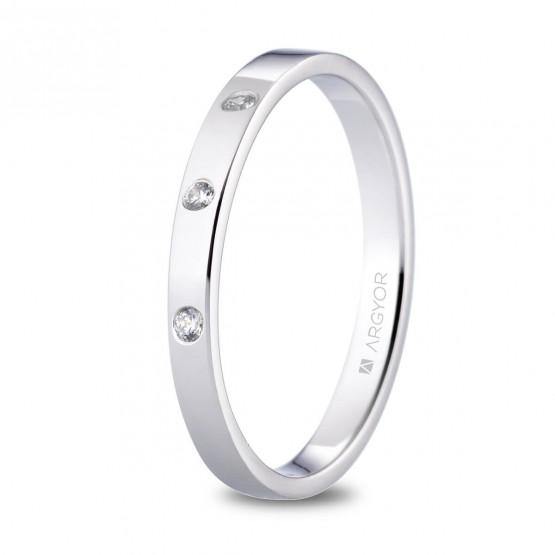 Alianza de platino plana y 3 diamantes brillante 2.5mm (05930125D3)
